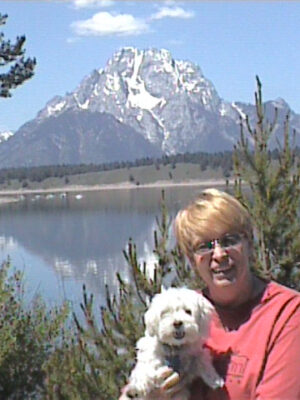 Sue (Jackson) Pondrom, BJ '68