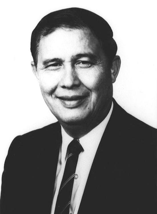Noel Tomas, BJ '59
